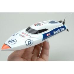 Magic Vee - fed lille fjernstyret båd
