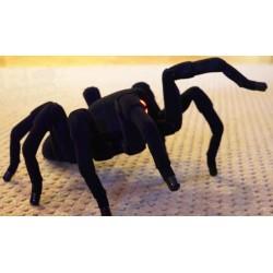 T8X - Kæmpe edderkop! Skræmmende realistisk!