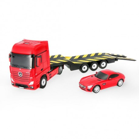 Fjernstyret Mercedes lastbil, med trailer og extra fjernstyret bil.