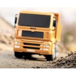 Fjernstyret lastbil med tiplad - fuld styrbar m. LED lys