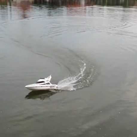 Salina Yacht - stor lækker fjernstyret båd med høj hastighed